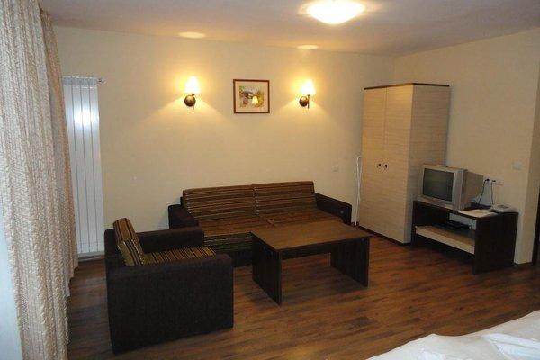 Apartment Complex Dream - 7