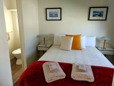 Guesthouse Picton's Waikawa Bay Holiday Park and Park Motels