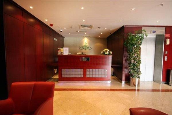 Florida International Hotel - фото 17