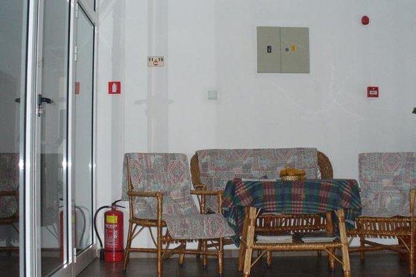 FAMILY HOTEL SASHA - фото 4