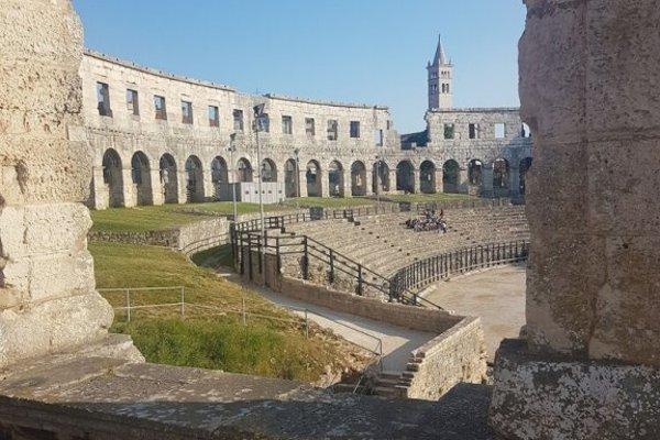 Apartments Zova - фото 8