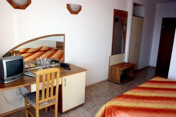 Hotel Oasis - 3