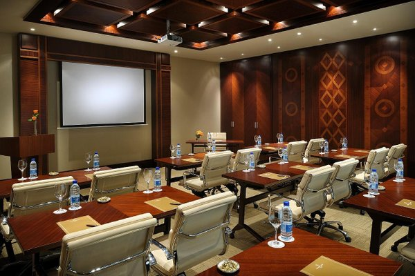 Emirates Grand Hotel - фото 16