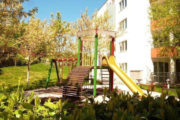 Green Fort Noks Apartments - фото 14