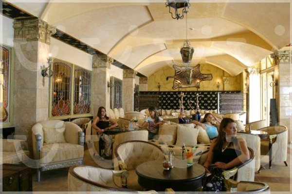 Victoria Palace Spa Hotel - 4