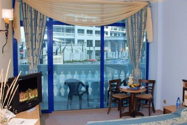 Chaika Beach & Spa Hotel - 11