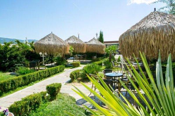 Chaika Beach & Spa Hotel - 19