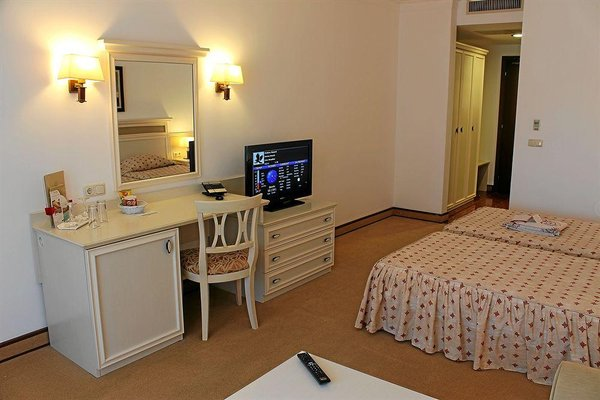 Helena VIP Villas and Suites - фото 4