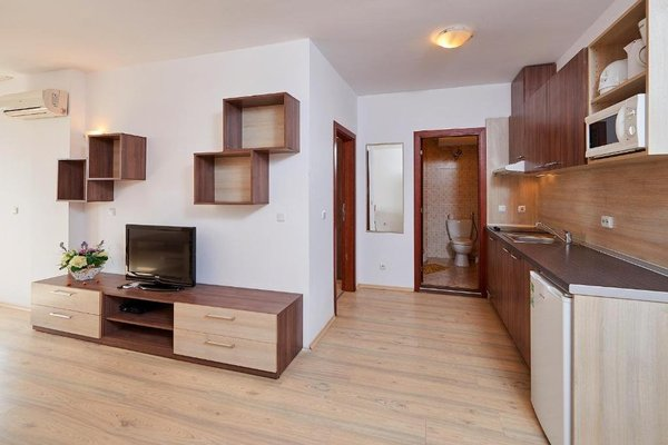 Menada Zornitsa Apartments - 10