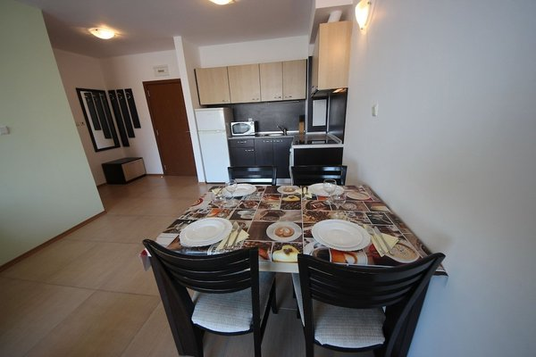 Grand Kamelia Apartments (Апартаменти Гранд Камелия) - 9