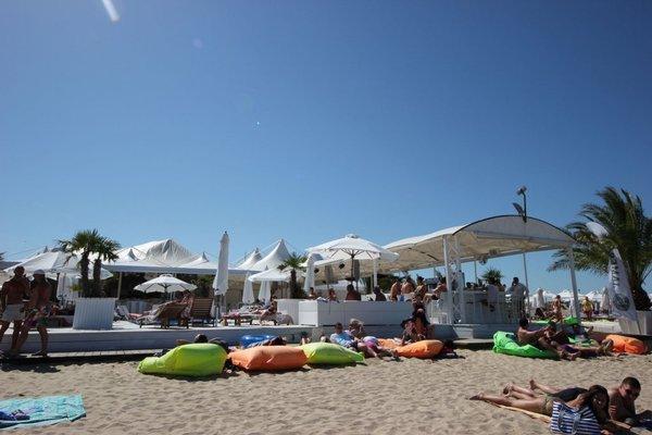 Menada Forum Apartments - фото 11