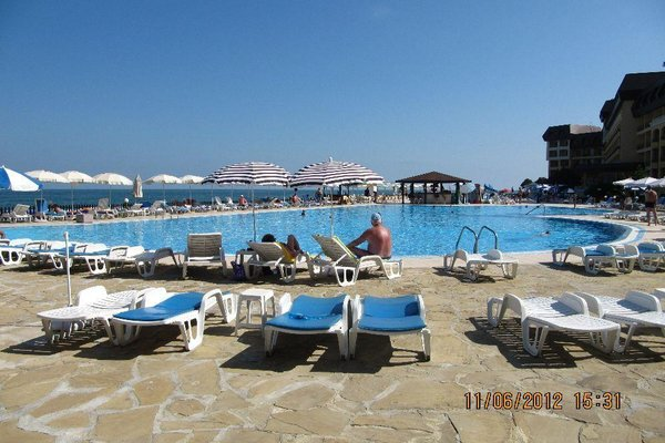 Apartments in Royal Beach Plaza - фото 23