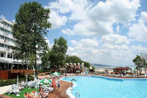 Arabella Beach Hotel - 17