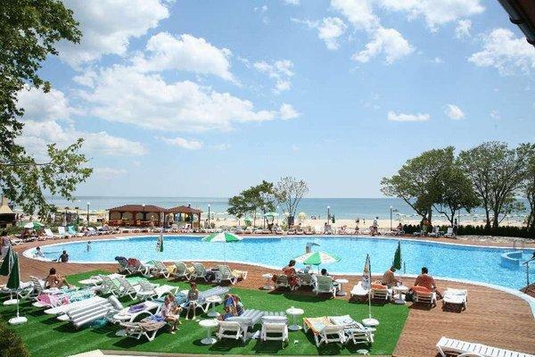 Arabella Beach Hotel - 18