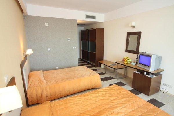 Arabella Beach Hotel - 4