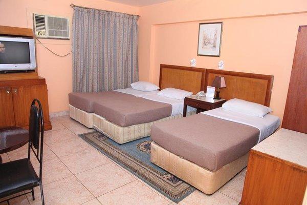 Dream Land Hotel - 8
