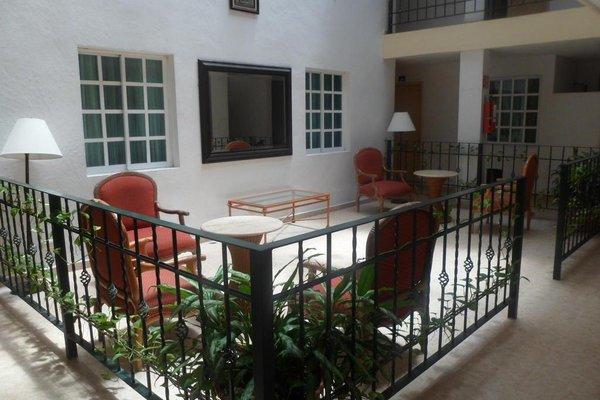 Hotel Gandhi - фото 12