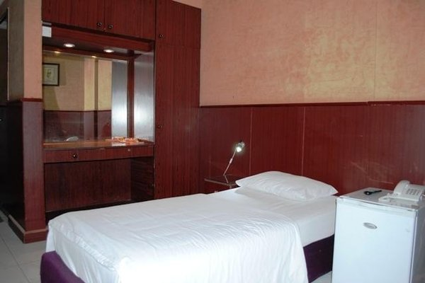 Pacific Hotel Llc - фото 4
