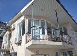 Фото 1 отеля Гостевой Дом Klimenko House - Ялта, Крым