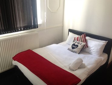 Хостел Ashton House Hostel
