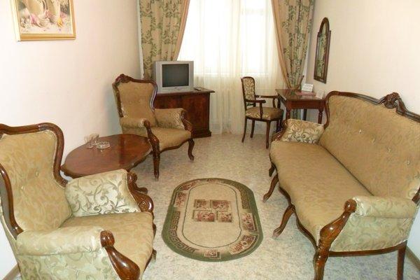 Tsaritsynskaya Hotel - photo 11