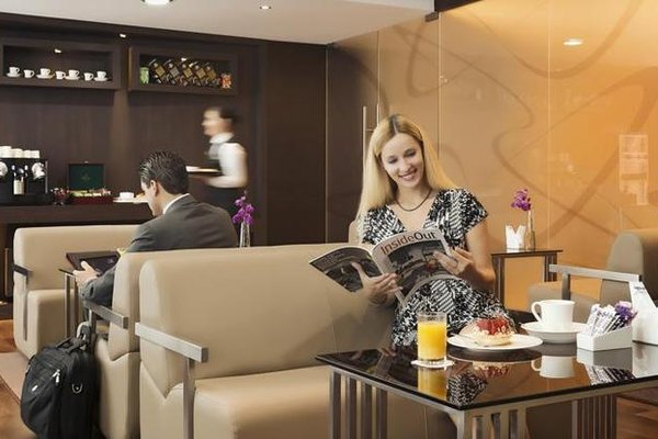 Park Regis Kris Kin Hotel - фото 11