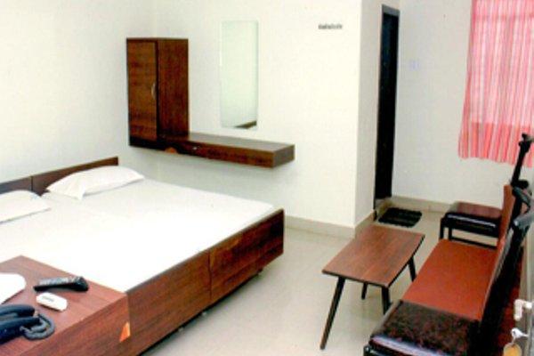 Aakaash Hotel - фото 28