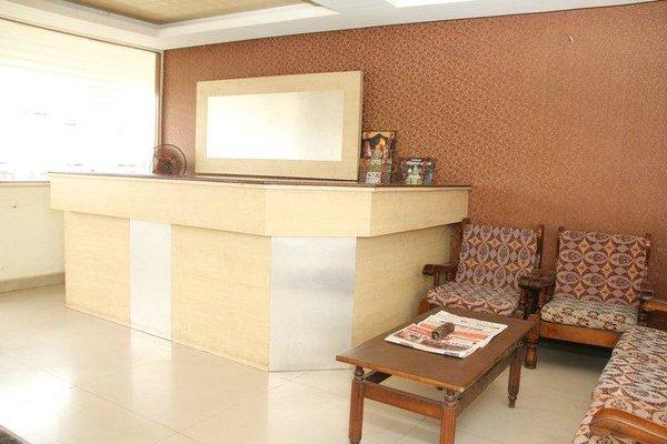 Aakaash Hotel - фото 6