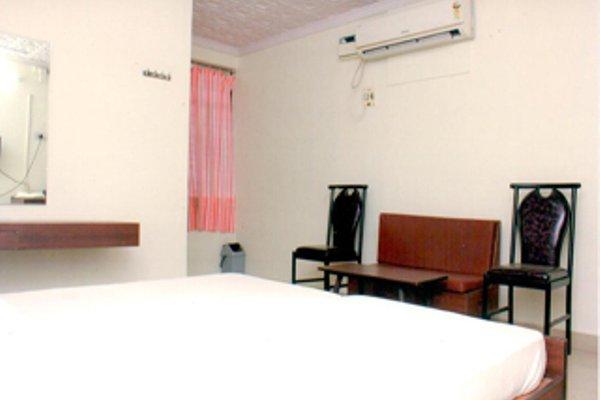 Aakaash Hotel - фото 7