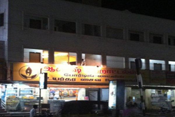 Aakaash Hotel - фото 9