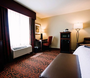 โรงแรม Hampton Inn & Suites Minot
