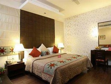 Апартаменты Stallen Suites & Apartments Nehru Place