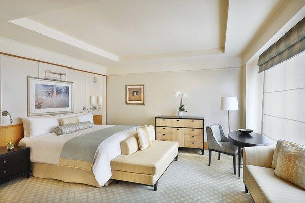 The Ritz-Carlton Executive Residences - 35