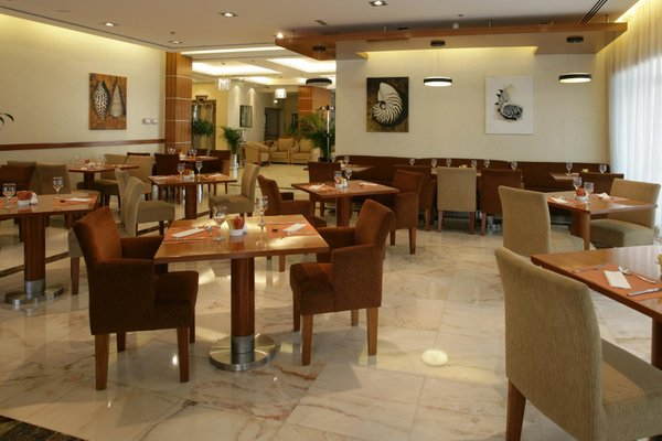 Auris Hotel Apartments Deira - фото 13