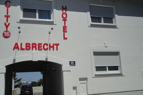 City Hotel Albrecht - 22