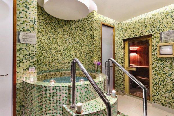 Ramada Jumeirah Hotel - 4