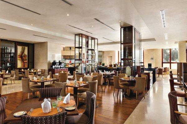 Ramada Jumeirah Hotel - 8