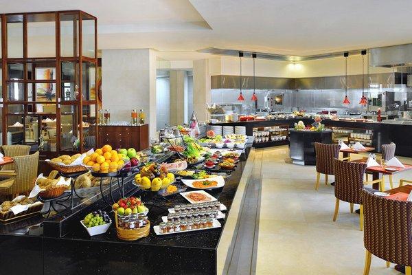 Ramada Jumeirah Hotel - 9