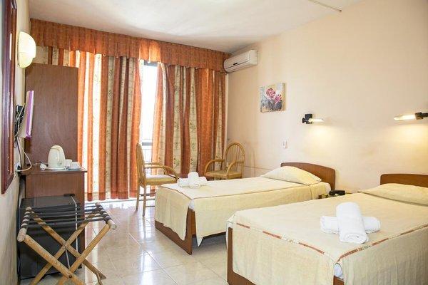 Relax Inn Hotel - фото 50