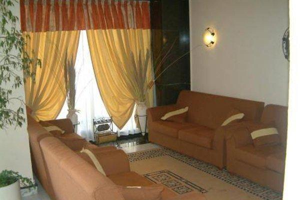 Relax Inn Hotel - фото 6