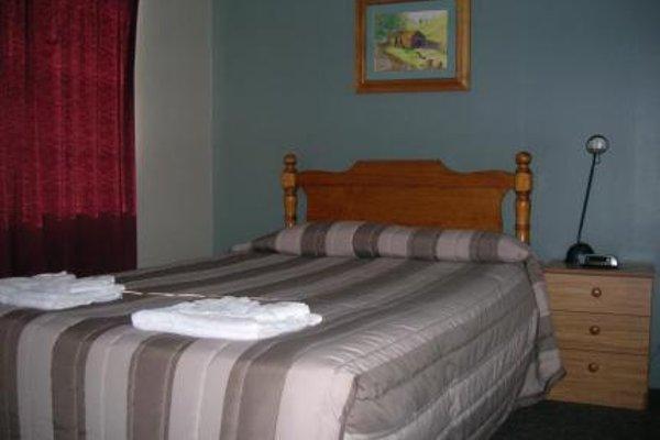 Trafalgar Lodge - 8