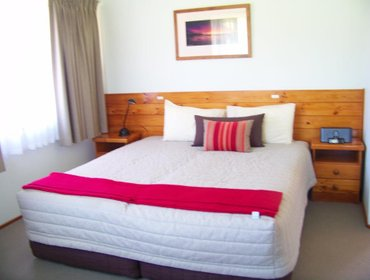 Guesthouse Whispering Pines Cottages