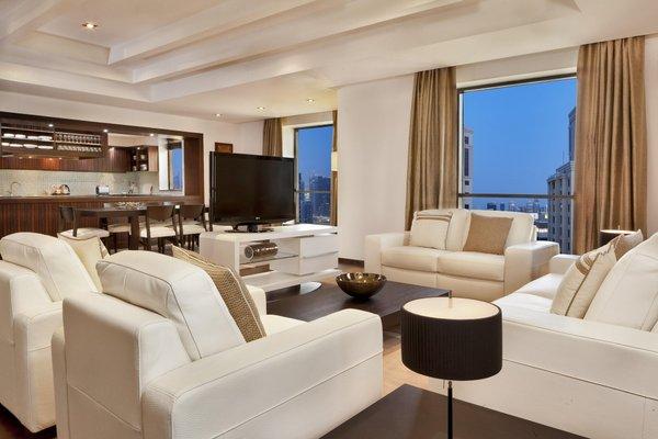 Hilton Dubai The Walk - фото 9