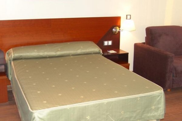 Hotel Martin Alonso Pinzon - фото 4