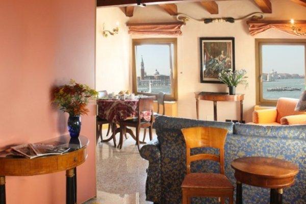 San Simeon Apartments - 10