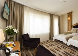 Aprilis Hotel фото 2