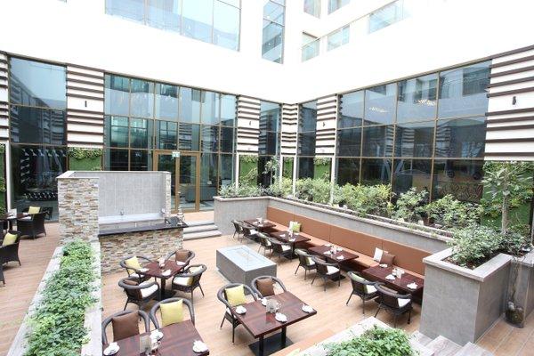 Metropolitan Hotel Dubai - фото 10
