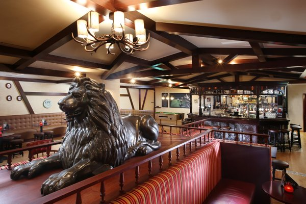 Metropolitan Hotel Dubai - фото 8