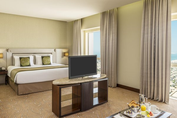 Millennium Plaza Hotel - фото 5