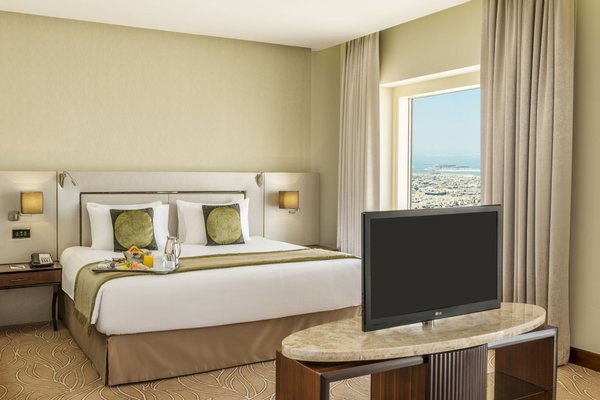 Millennium Plaza Hotel - фото 6